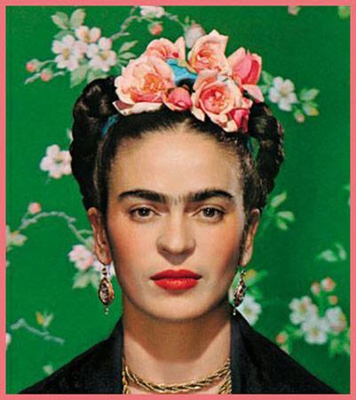 Frida-Kahlo-wearing-a-flower-crown